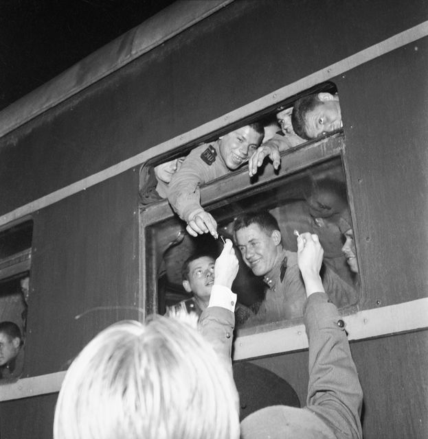 Soviets departing from Kirkkonummi station.  Source: picture collections of the Finnish Heritage Agency, preview picture